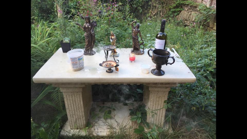 garden-altar
